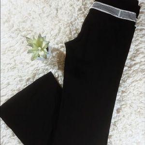 Lululemon black yoga pants size 6